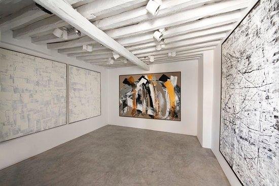 Minima Gallery