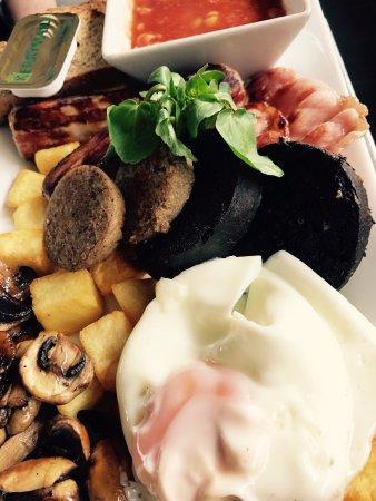 Gosport, UK: Irish Breakfast known as 'The Dubliners'
