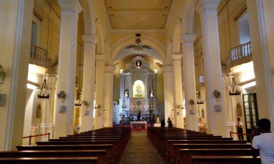 St. Dominic's Church: Inside the church