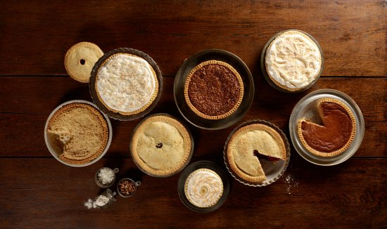 ‪‪Hartville‬, ‪Ohio‬: Just small selection of our amazing pies‬