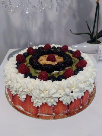 La Calahorra, Spania: Tarta de frutas con nata