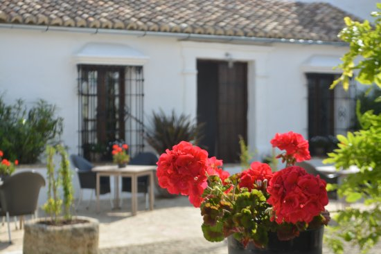 Cortijo El Guarda: Part of the inner courtyard.
