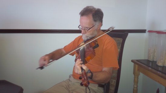Port Hood, Canada: Fiddle playing host