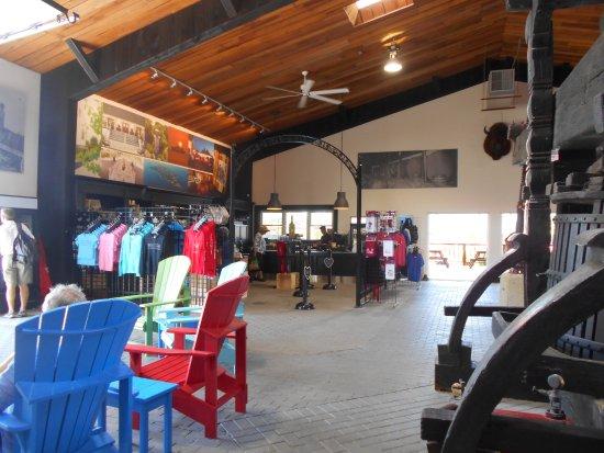 Pelee Island Winery : Interior