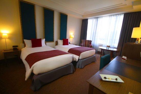 Hesperia Hotel Valencia Room