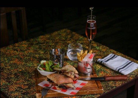 Trowbridge, UK: steak sandwich