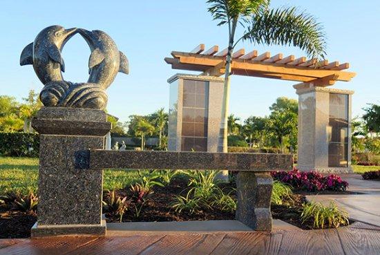 Superieur Naples Memorial Gardens Cemetery: Hodges Funeral Home At Naples Memorial  Gardens