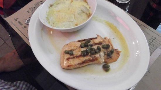 Boulevard Lavaud: salmão com endívias gratinadas