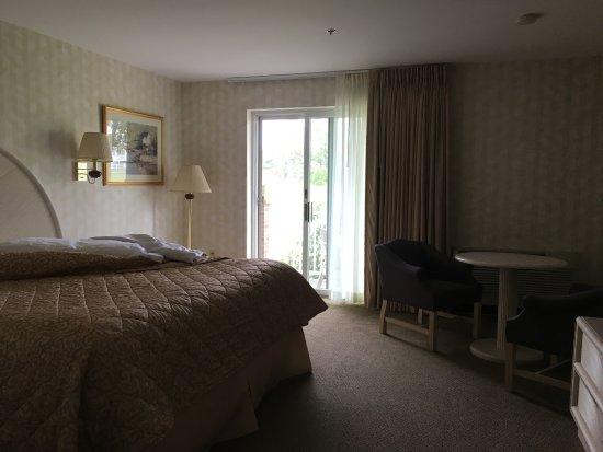 Winnapaug Inn Photo