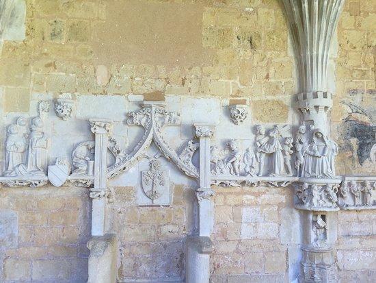 Cadouin, France : Bas-relief narratif