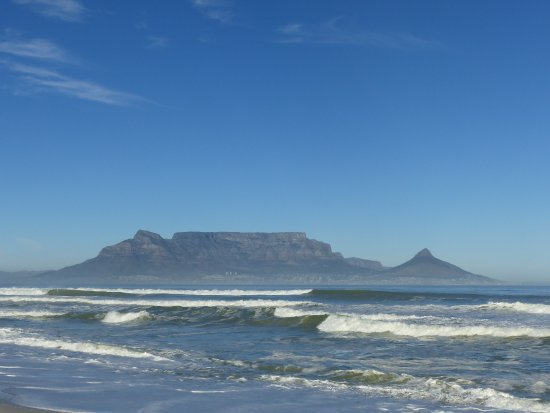 Bloubergstrand Beach: Table View