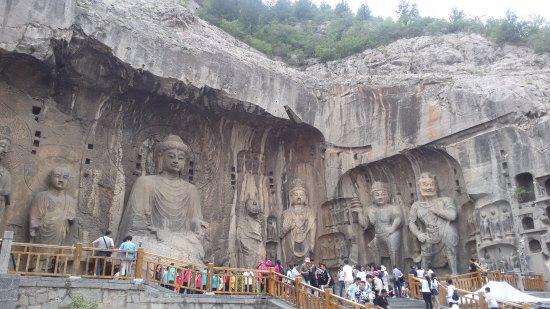Luoyang, China: Лоян. Гроты Лунмэнь, Ворота Дракона