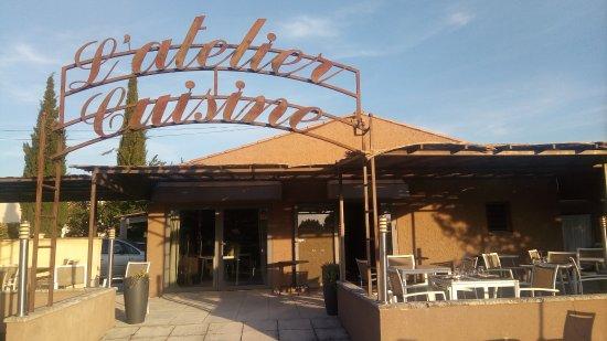 Taillades, فرنسا: Terrasse restaurant