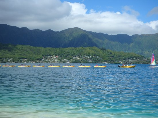 Kaneohe, Havai: kids camp in kayaks