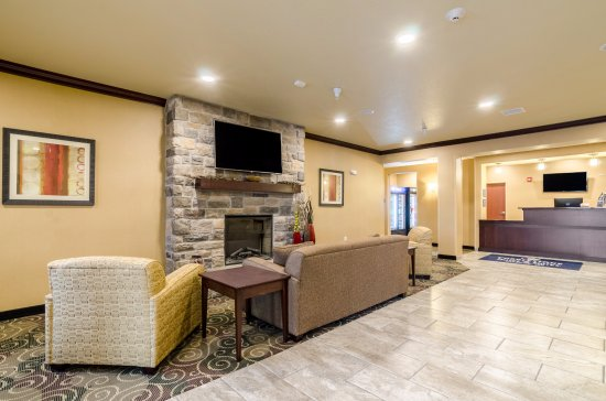 Cobblestone Hotel Suites Mccook Ne Lobby