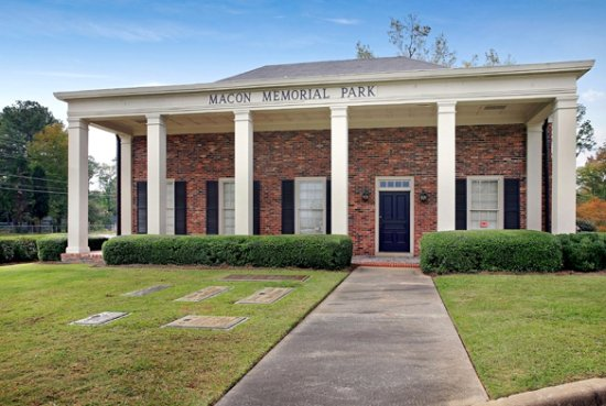 ‪Macon Memorial Park Funeral Home and Cemetery‬