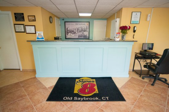 Old Saybrook, CT: FRONT DESK