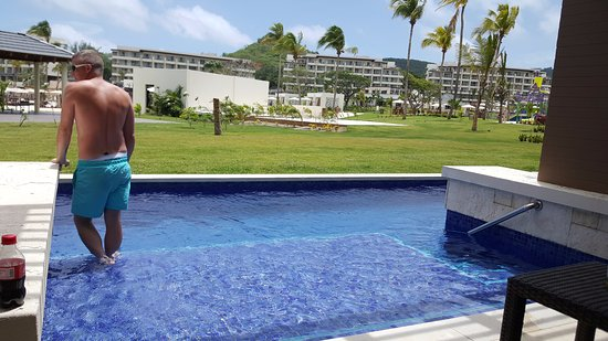 Cap Estate, St. Lucia: Swim Out pool from 1 bedroom DC Building 7 - Room 7010
