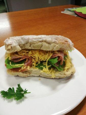 Windmeul, South Africa: Breakfast pizza, Kontrei breakfast, Roosterkoek and wood fired gourmet pizzas