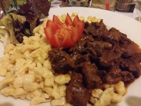 เซเกสเฟแฮร์วาร์, ฮังการี: stew (beef)