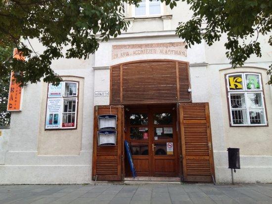 เซเกสเฟแฮร์วาร์, ฮังการี: entrance