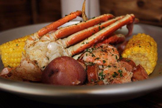 Rockwall, Τέξας: The Sampler! 1/2 lb snow crab, 1/2 lb shrimp, 1/2 lb sausage, corn &  potatoes.