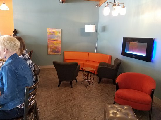 Plymouth, WI: Cozy comfortable gathering or relaxing spots to enjoy your lunch or coffee!