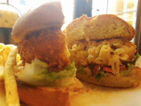 Cowes, UK: Mac & Cheese Burger