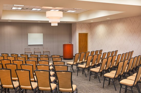 Newly Renoved SpringHill Suites Chesapeake Greenbrier Meetings