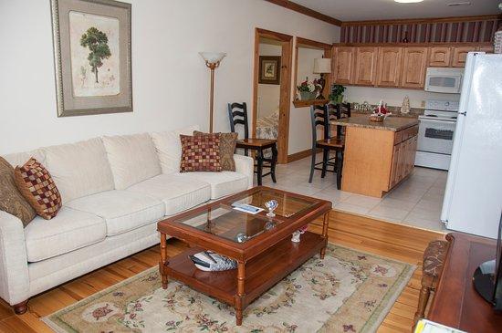 Hermann House Inn Suite 8