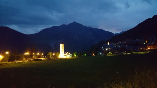 Taull, Испания: view from the restaurant at night