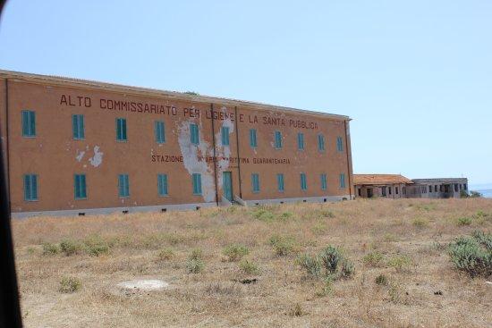 Asinara, Italie : Istituto medico