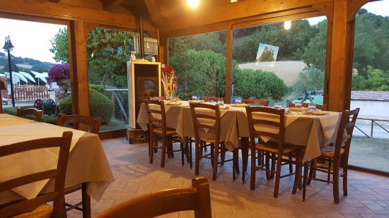 Sassoferrato, İtalya: TA_IMG_20170622_211242_large.jpg