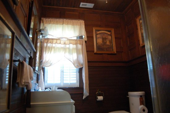 Damascus, VA: Sared Bathroom - only 2 rooms share