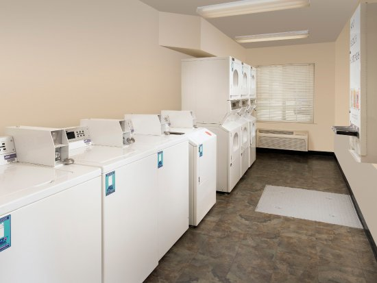 Junction City, KS: Laundry Room