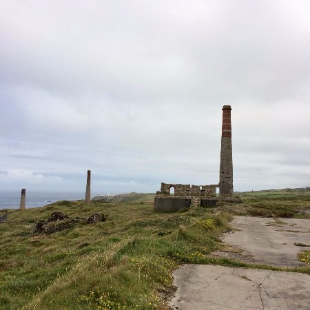 Pendeen, UK: Part of the Levant Mine, arsenic tower far left