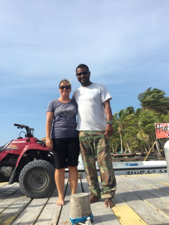 Long Caye, Belice: Our amazing hosts - Selena and Arthur