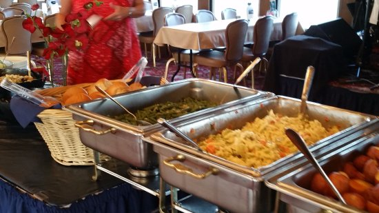 Celebration River Cruises: buffet line