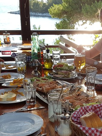 Okrug Gornji, Κροατία: Dela mat så får ni prova fler rätter...
