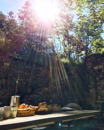 Touffailles, ฝรั่งเศส: Breakfast