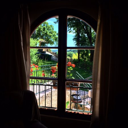 Touffailles, ฝรั่งเศส: View from our living room
