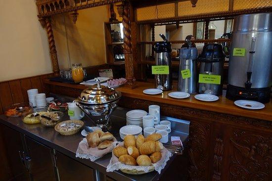 Amaru Hostal: Breakfast