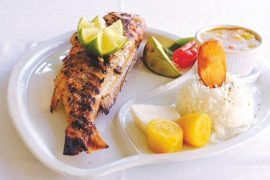 Poisson grill photo de restaurant tante arlette grand 39 riviere tripadvisor - Restaurant poisson grille paris ...