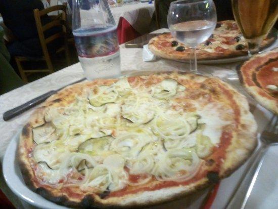 Pontassieve, Italy: pizza alla siciliana