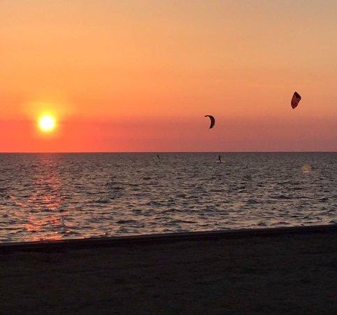 Kite Club Hatteras : Chimi House kite venue