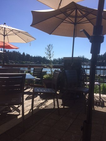 Lake Oswego, OR: Lake theater and cafe deck