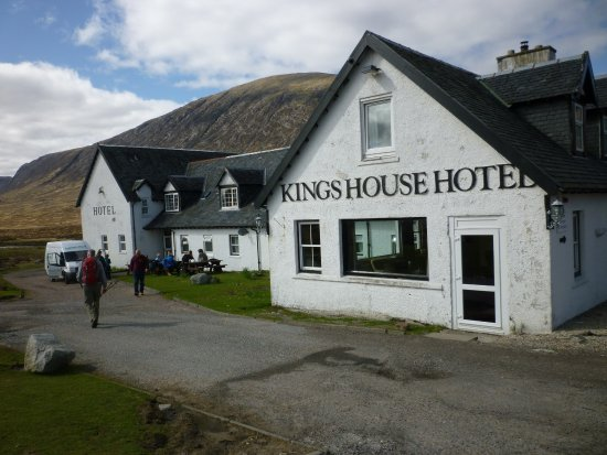 Kings House Hotel: King's House, the famous stop on the West Highland Way