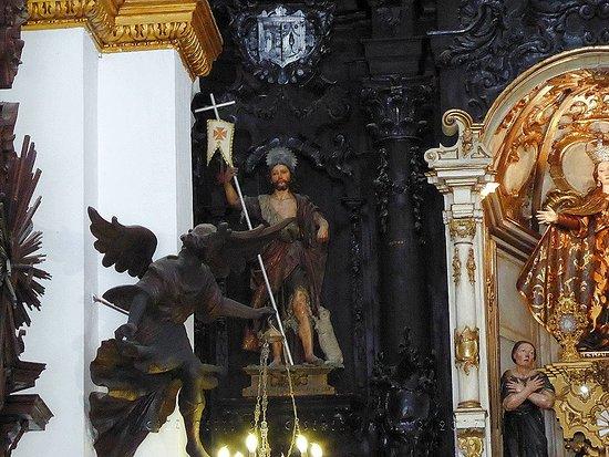 Sanlucar de Barrameda, Spain: Zur Linken des Altarbilds.