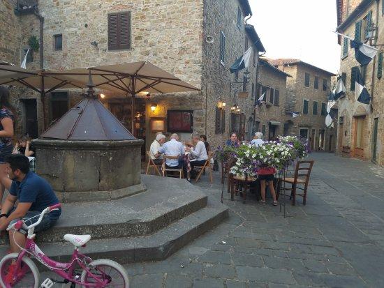 San Donato in Poggio, Italy: La taverna di ciccino