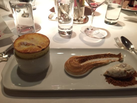The River Cafe: Soufflé was amazing